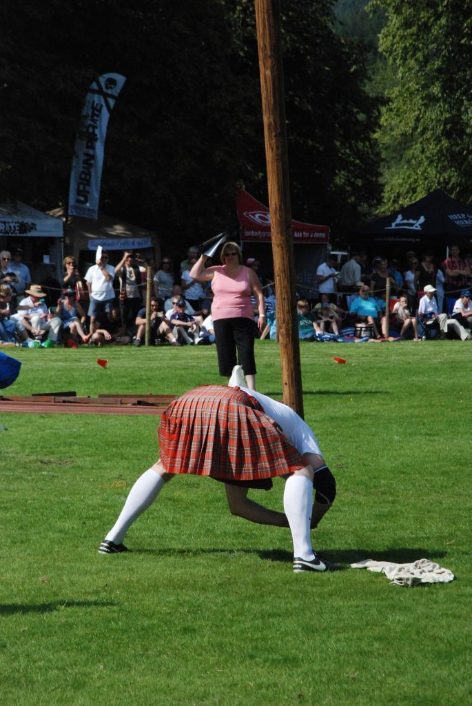 Lucas Wenta steadies himself before an attempt in the World Caber Championship.