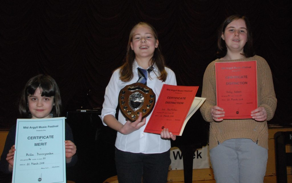 Placed in the grade one solo class were Bella Derevyankin, Iris MacMillan and Holly Helbert.