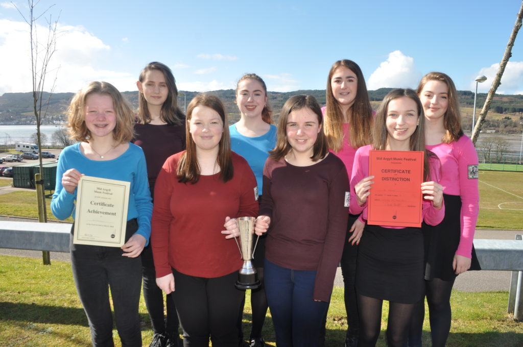 B Natural who won The Lydon Trophy: Eve Maxwell, Holly Helbert, Holly Renton, Rhona Love, Jean McPhee, Daisy Carter, Hazel Galbraith and Ellie Simpson.