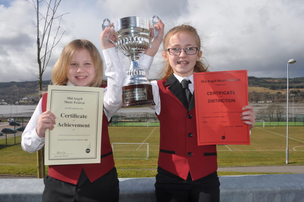 Dunadd Trophy winners Grace McTaggart and Kirstie Renton.