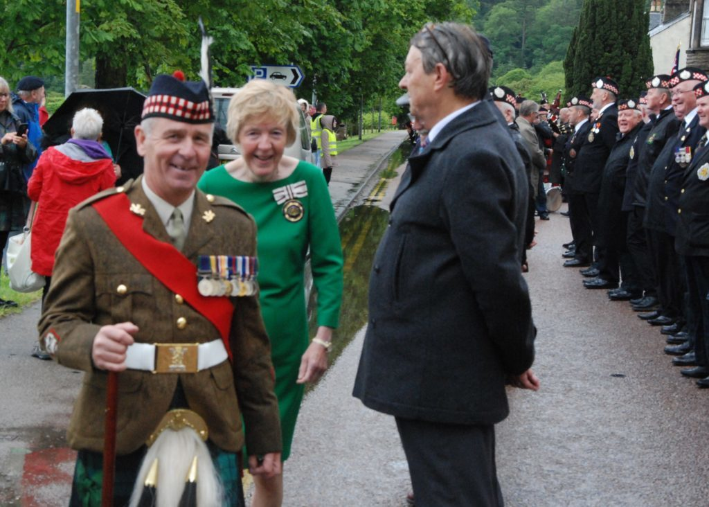 Sergeant Major Hamilton and Jane MacLeod share a joke while inspecting the parade. 08_a25AFD14