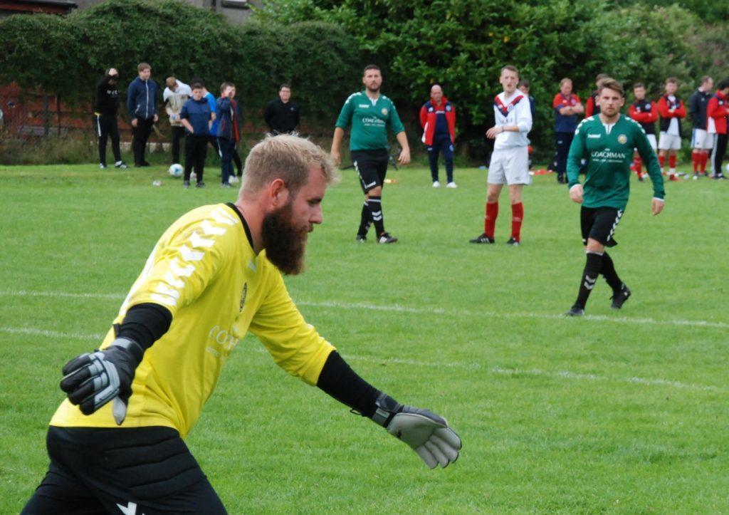 And the Beard of the Tournament award goes to - Kilsyth goalie Gordon Murray. 06_a32ABC_Other07