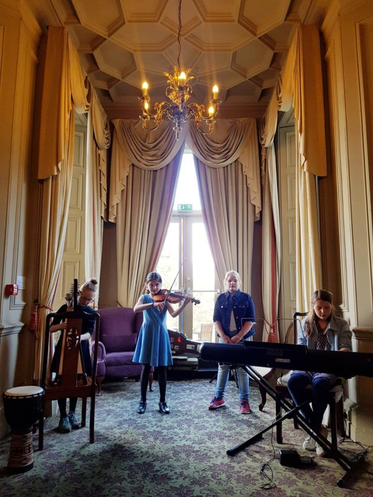 Young Tarbert musicians put on stunning performance for American guests