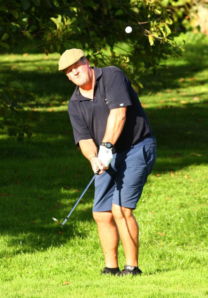 Golfers travel to Glencruitten to honour John MacEachen