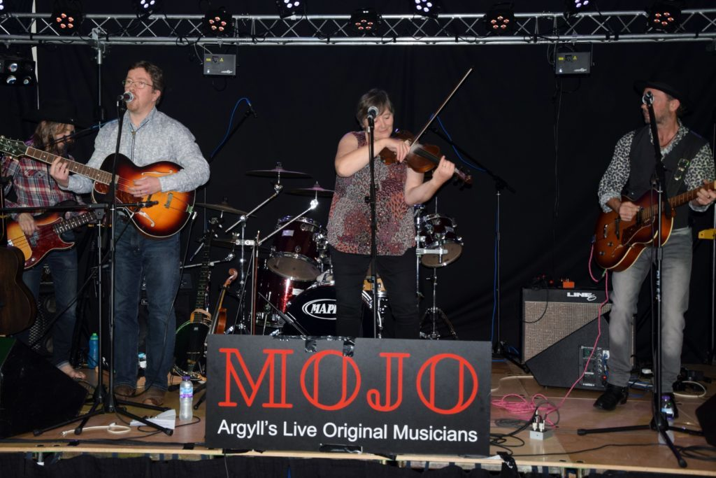 MOJO mania hits Ardfern – watch the video