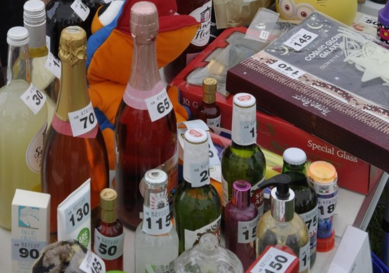 Crafts and hampers at Christmas sale